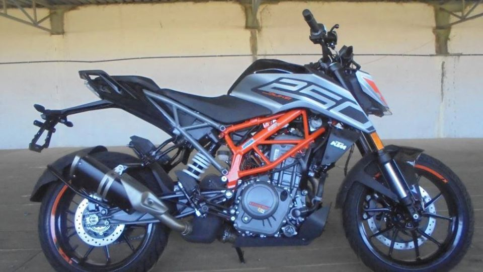 Bs6 Ktm Motorcycles Price Is Here New Duke 250 And Duke 390