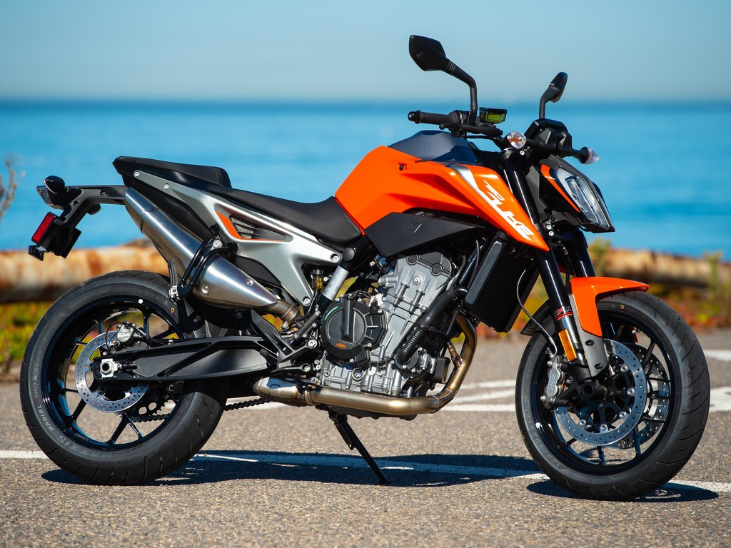 Ktm Rc 125 Rc 200 Rc 390 New Colours Launched Price Remains Unchanged Details