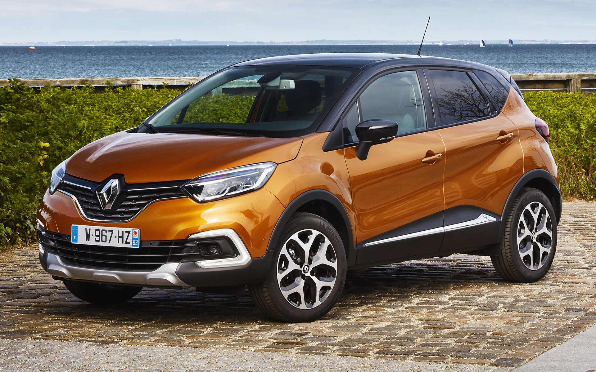 renault captur price specifications mileage photos. Black Bedroom Furniture Sets. Home Design Ideas
