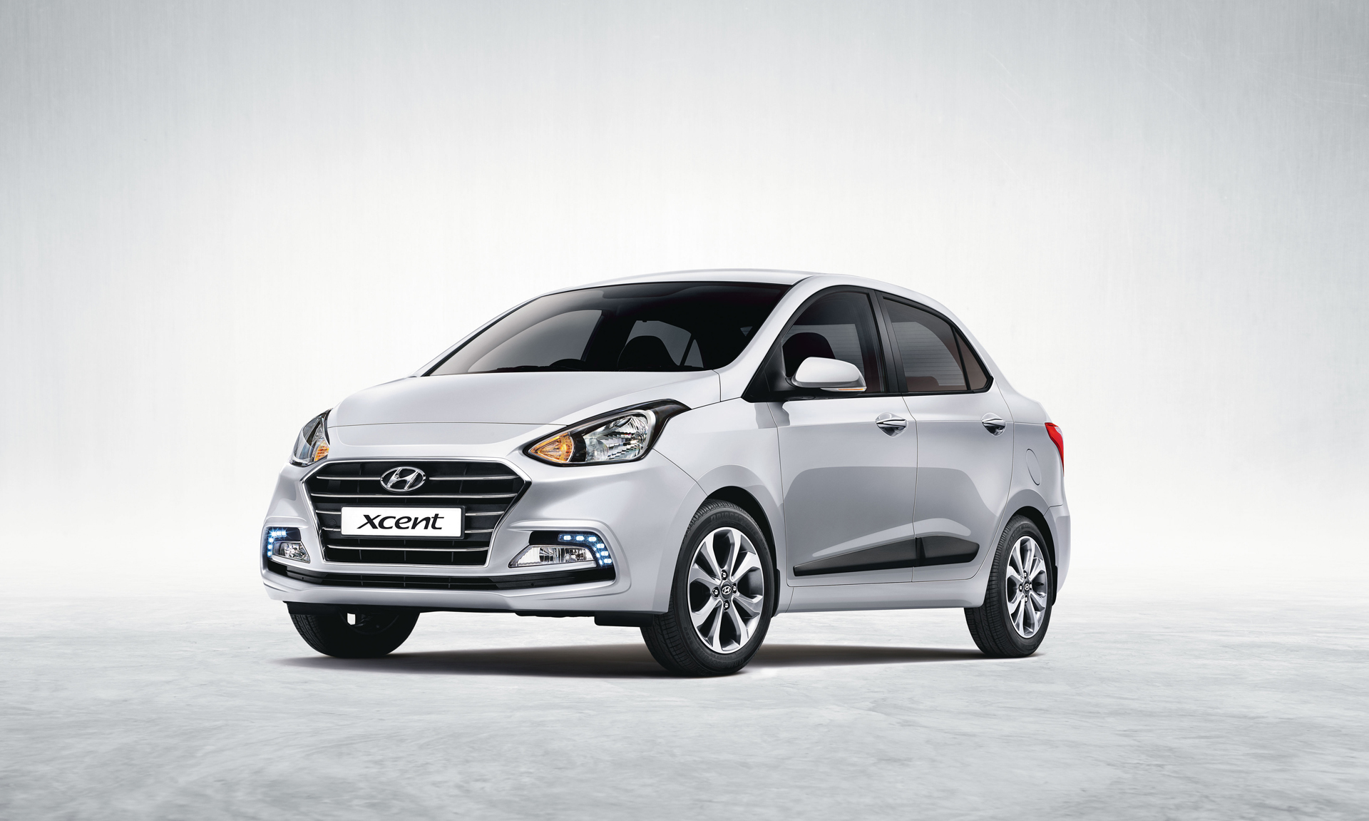 Hyundai Xcent Specifications, Price, Mileage, Pics, Review
