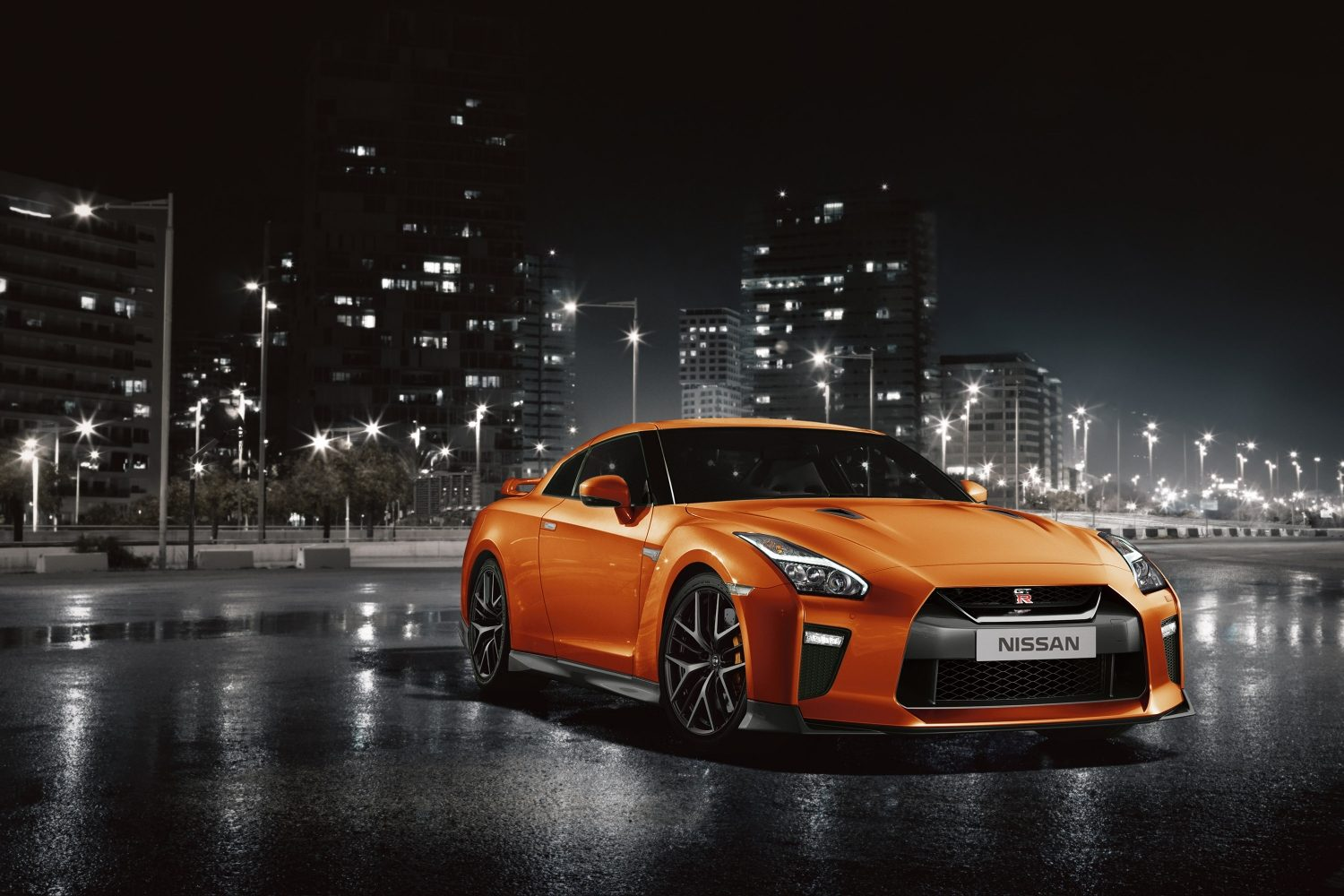 Nissan GT-R Specifications, Price, Mileage, Pics, Review