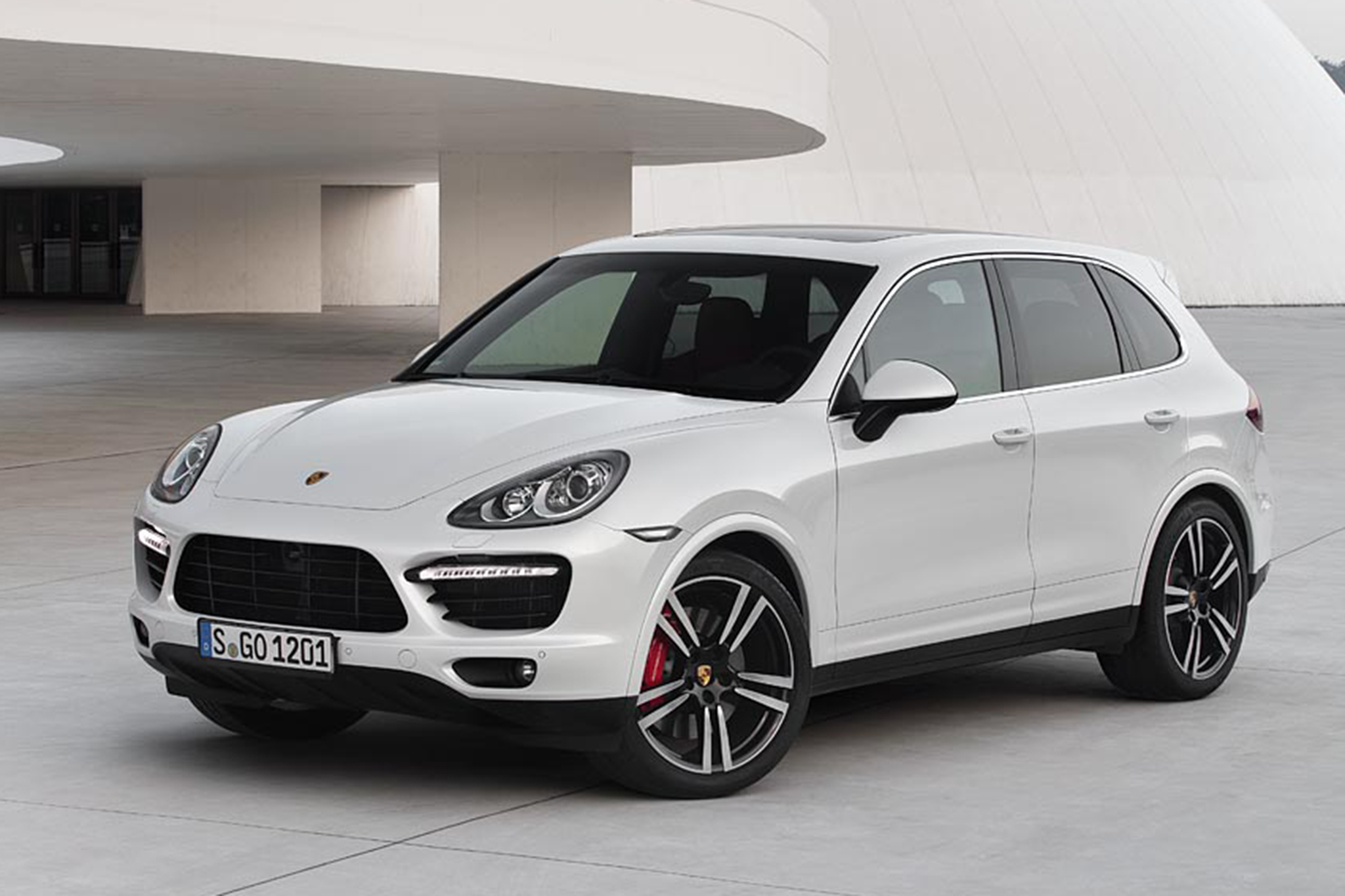 Porsche Cayenne Specifications, Price, Mileage, Pics, Review